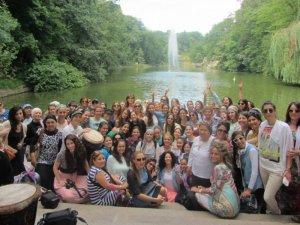 קבוצת נשים בגן סופיה - מסע לאומן
